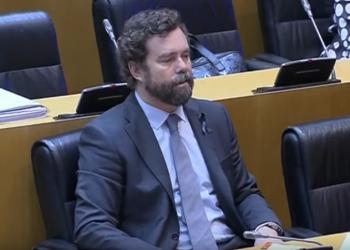 Iglesias a Espinosa de los Monteros en la comisión para la Reconstrucción Económica y Social: «cierre al salir, señoría»
