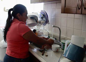 """140 organizaciones de todo el mundo reclaman una """"nueva economía"""" que respete el trabajo de cuidados de las mujeres"""