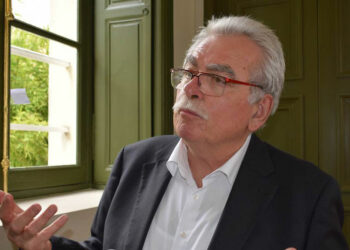 Líder parlamentario francés apoya Nobel de Paz para médicos de Cuba