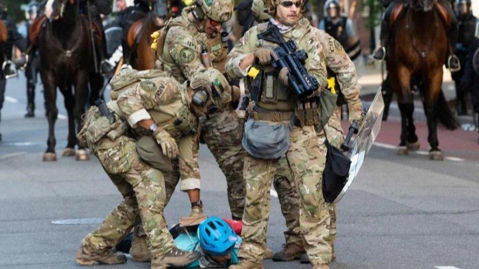 Pentágono defiende mano dura contra los manifestantes en EEUU