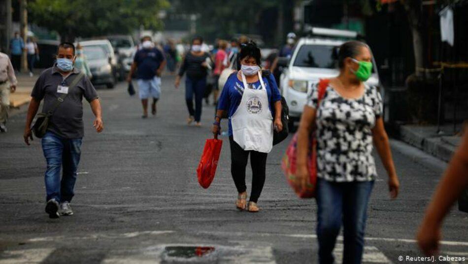 Doble emergencia en El Salvador