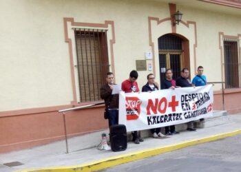 El PCE-EPK Navarra muestra su apoyo a la plantilla de la planta de TRENASA de Castejón