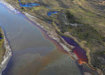 Estiman en $145 millones los costes para paliar el daño por derrame de diésel en Norilsk