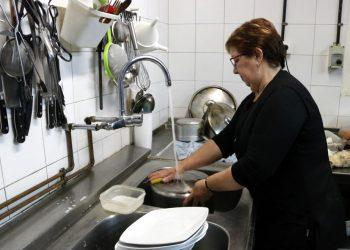 Izquierda Unida de Castilla y León propone un amplio debate social sobre los cuidados en la vida de las personas
