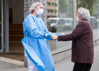 Proponen en los ayuntamientos de Castilla y León una moción para un cambio en el modelo de las Residencias de personas mayores, que prime la salud y el cuidado