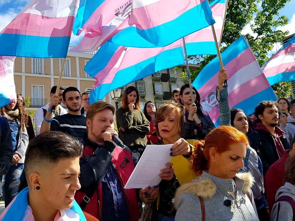 Más de 200 colectivos firman una carta dirigida al PSOE exigiendo la Ley Trans