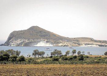 Equo Verdes defiende una Bahía de los Genoveses libre de hoteles
