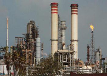 Venezuela reinicia producción de gasolina gracias a la ayuda de Irán