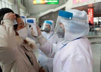 Persiste alza de contagiados por rebrotes de Covid-19 en China