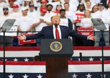 Donald Trump sustituye al director de su campaña electoral