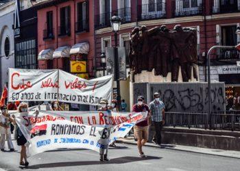 «Cuba salva vidas, basta de bloqueo»: manifestación recorrió Madrid en un nuevo 26 de Julio
