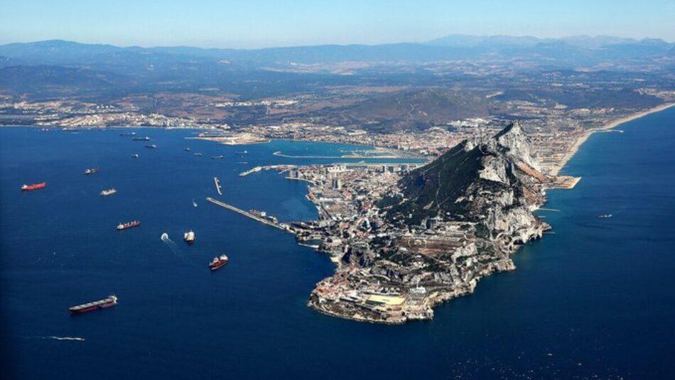 """Enrique Santiago tacha en el Congreso de """"show patriotero"""" las iniciativas de la derecha sobre Gibraltar y les pide que no """"sobreactúen"""""""