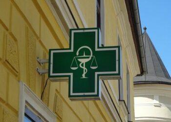 Compromís señala que la tendencia de cierre de farmacias debe contar con medidas como las planteadas por la coalición para el mundo rural