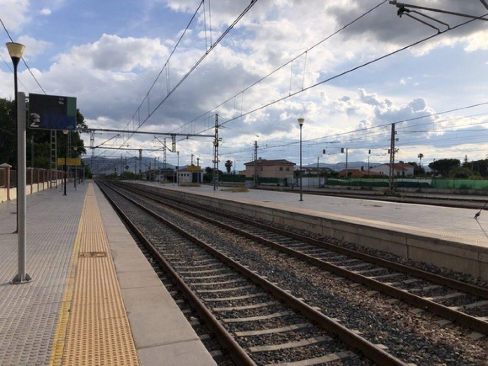 Renfe evita comprometerse en recuperar las frecuencias de las medias distancias ferroviarias