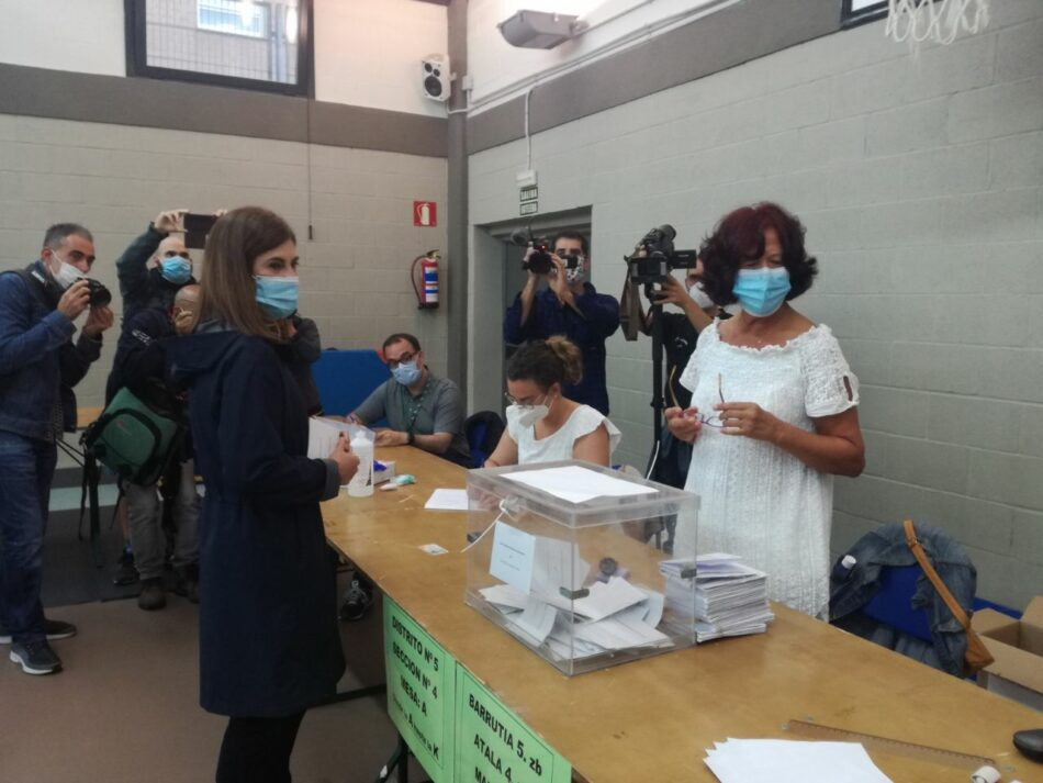 Comienzan las votaciones en las elecciones autonómicas de Galicia y Euskadi