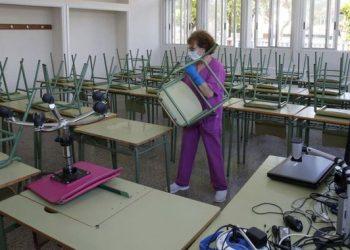 STERM-i e INTERSINDICAL denuncian recortes en los servicios de limpieza de los centros educativos