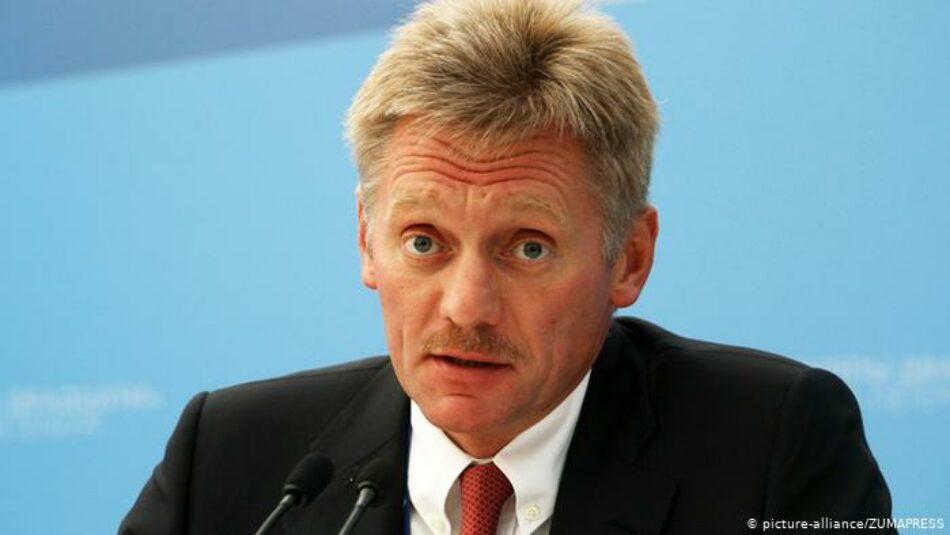 El Kremlin afirma que Kiev no hace nada para resolver el conflicto en Donbás