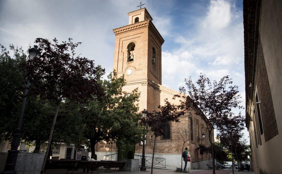 La centenaria plaza de la Iglesia de Hortaleza, por fin a salvo: el macrogimnasio no se construirá