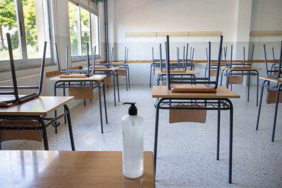 """Izquierda Unida reclama un """"sustancial incremento del personal docente de cara al próximo curso"""" para garantizar una """"vuelta segura a los centros educativos"""""""
