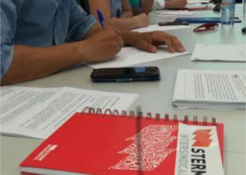 STERM califica de irresponsable la actitud de Educación y muestra su apoyo a equipos directivos y profesorado