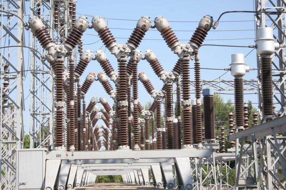 """El Pleno del Ayuntamiento de Sevilla reclama a Endesa que """"realice las inversiones necesarias para garantizar el suministro eléctrico"""" en todos los barrios de Sevilla"""