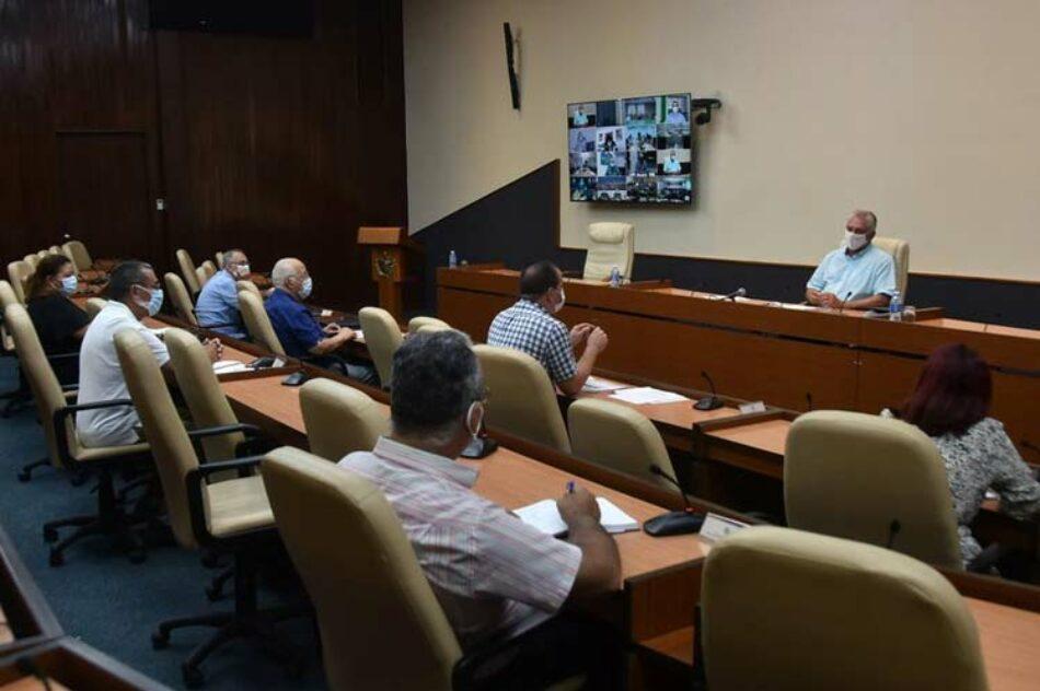 Llama presidente de Cuba al trabajo mancomunado frente a la Covid-19