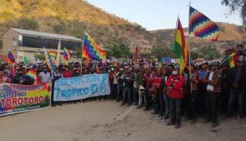 Fracasó el «diálogo» planteado por el Gobierno de Facto, los bloqueos continúan en Bolivia