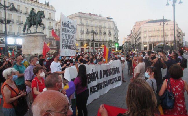 Manifestantes contra la monarquía tras la huida del Borbón denuncian «represión y atropello policial»