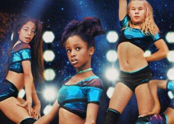 Netflix se disculpa y modifica el cartel de la película 'Cuties' tras las críticas por sexualizar a niñas