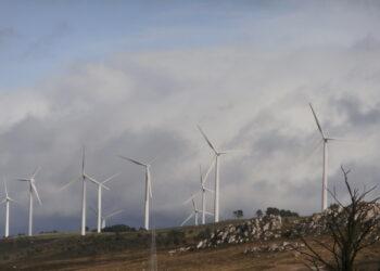 El peligro de los parques eólicos en zonas prohibidas, como Aller