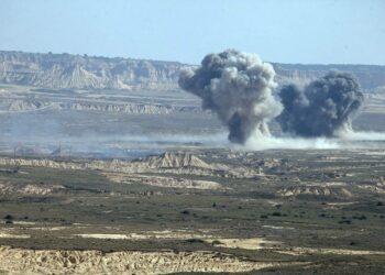 Denuncian los ensayos militares en la Reserva Mundial de la Biosfera de Las Bardenas con fuego real