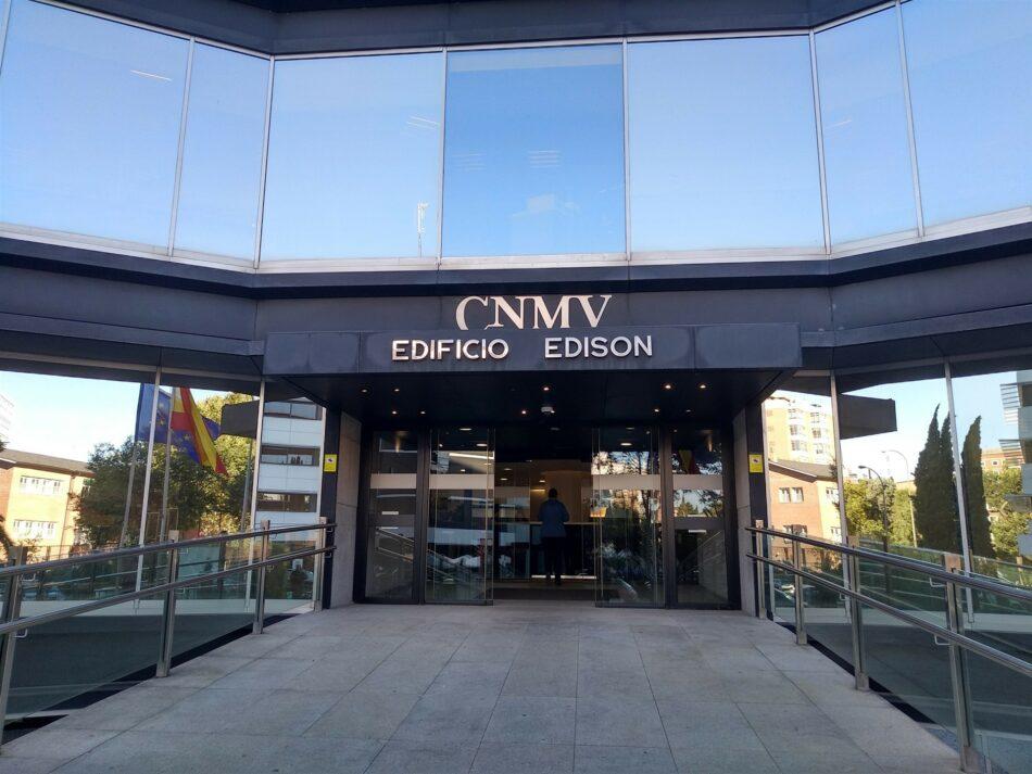 La CNMV advierte sobre una veintena de 'chiringuitos financieros' en Reino Unido