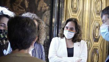 Ada Colau critica los halagos del PSOE desde Moncloa a Juan Carlos de Borbón: «¿En nombre de quién hablan?»