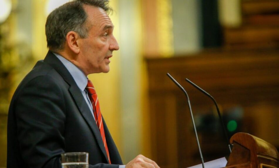 Enrique Santiago califica de «gran error diplomático» la visita de González Laya a la frontera entre Colombia y Venezuela