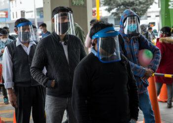 «Nos faltan 16.000 médicos»: Se agrava la crisis del coronavirus en Perú, el país más afectado de la región
