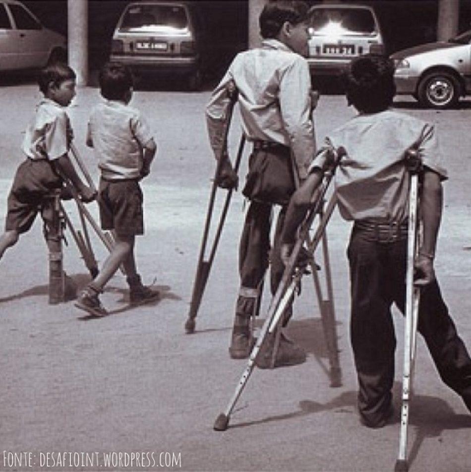 Plataforma Niñ@s de la Polio: «la vacuna ya existia en 1955, pero la dictadura Franquista no la distribuyó hasta 1964»