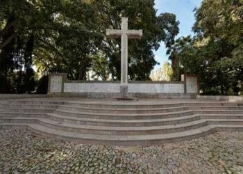 """¿Son símbolos franquistas las cruces levantas en honor a """"los caídos""""?"""