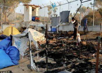 IU insta al Gobierno a defender en la UE una política solidaria y de acogida tras el incendio del campamento de refugiados en Grecia