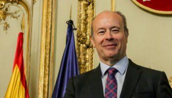 El ministro Campo se manifiesta dispuesto a introducir cambios legislativos para facilitar los desalojos
