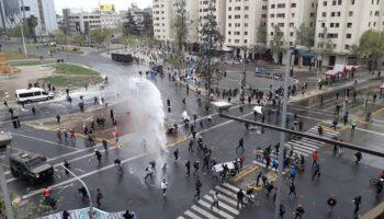 Disturbios en las movilizaciones de los técnicos de salud en Chile
