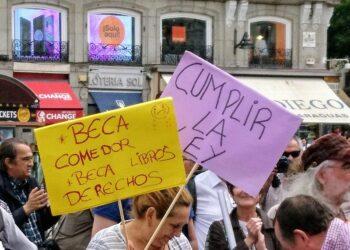 La Comunidad de Madrid excluye a las familias perceptoras del Ingreso Mínimo Vital de la beca de comedor