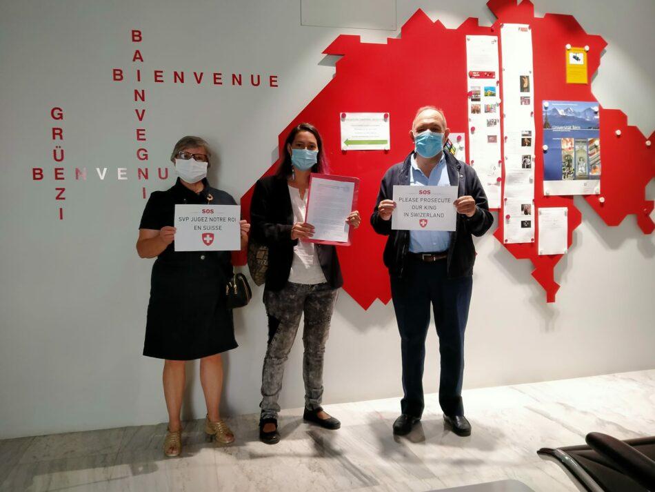 Presentan carta en la embajada suiza para que se juzgue a Juan Carlos I en el país alpino