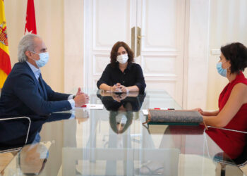 SATSE Madrid se reúne con la presidenta de la Comunidad