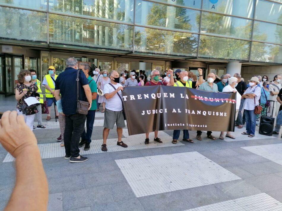 CGT se concentra contra la impunidad del franquismo