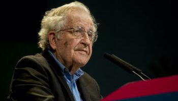 Noam Chomsky: Internacionalismo o Extinción