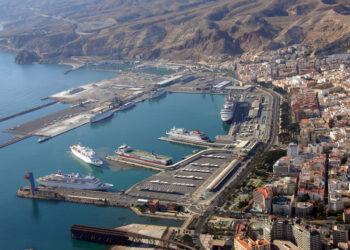 La contaminación del puerto de Almería ante el juzgado