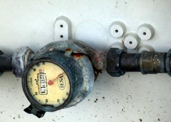 El Gobierno debe seguir prohibiendo los cortes de suministro de agua para los sectores sociales vulnerables