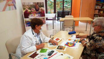 El 67% de los enfermos de alzheimer empeora a nivel cognitivo o funcional a los cuatro meses de superar la COVID-19