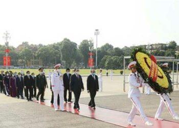 Dirigentes vietnamitas honran a Ho Chi Minh en Día de Independencia