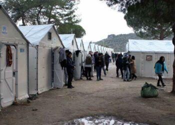 """CEAR reclama a Pedro Sánchez la """"reubicación urgente"""" de las personas abandonadas en Moria"""